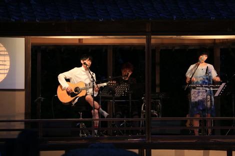 13_演奏中.JPG